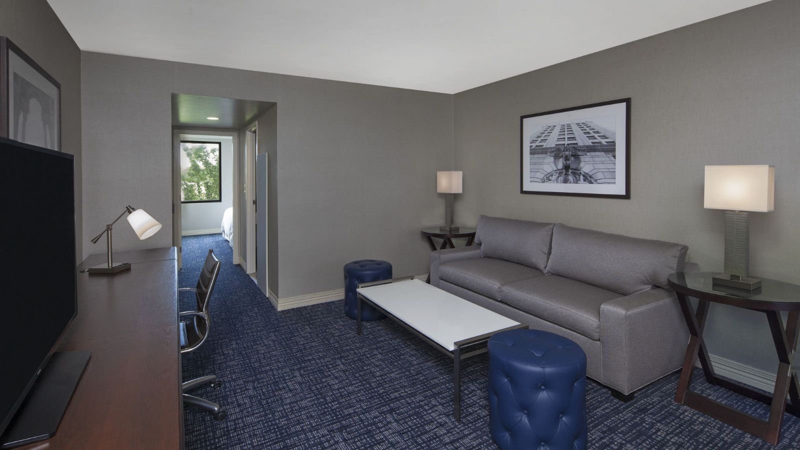 Philadelphia Airport Accommodations - Sheraton Club Suite