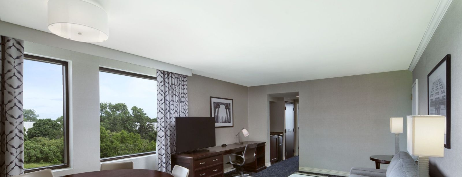 Philadelphia Airport Accommodations - Conference Suite